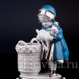 Статуэтка из фарфора Девочка с козленком, Германия, нач. 20 в.